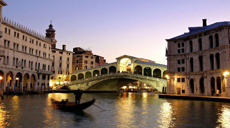 Gondole e ponti di Venezia